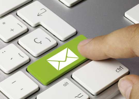 Tastatur mit einem Briefsymbol